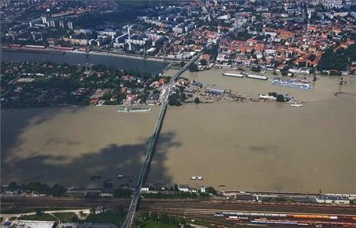 A Duna által elöntött terület Komáromnál - MTI Fotó: Ujvári Sándor