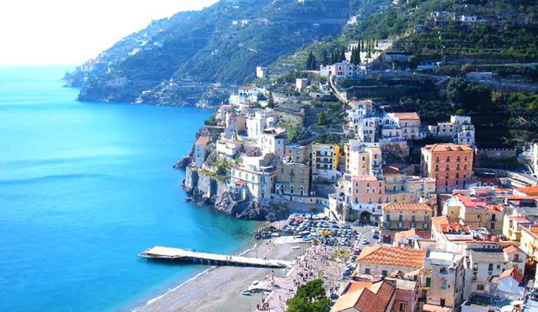 Nem sportolnak, dohányoznak, és soványnak sem mondhatók. Mégis, az olasz falucska lakói élnek a legtovább! Ez a TITKUK!