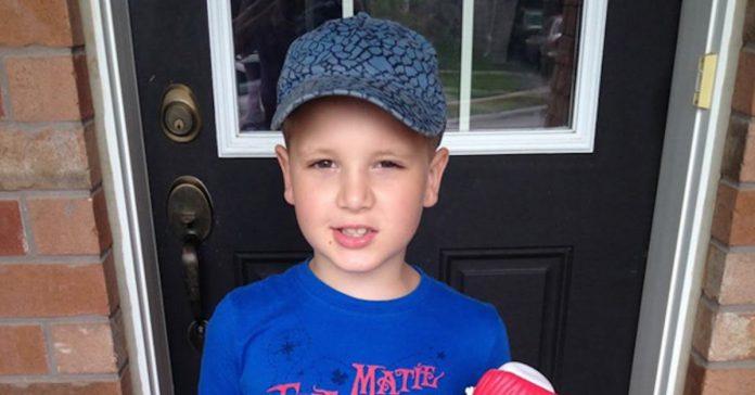 Az autista kisfiúnak írt levéltől könnyezik most a világháló!