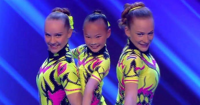 3 ifjú hölgy áll ki a színpadra. A legfiatalabbról viszont nem szabad levenned a szemed. Fenomenális!