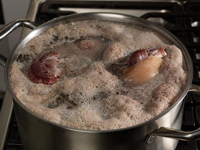 Hogyan főzzünk úgy húslevest, hogy ne keletkezzen túl sok hab rajta?