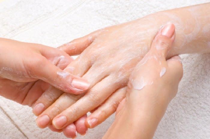 Ettől a természetes keveréktől rövid idő alatt puha, és ápolt lesz a kezed!