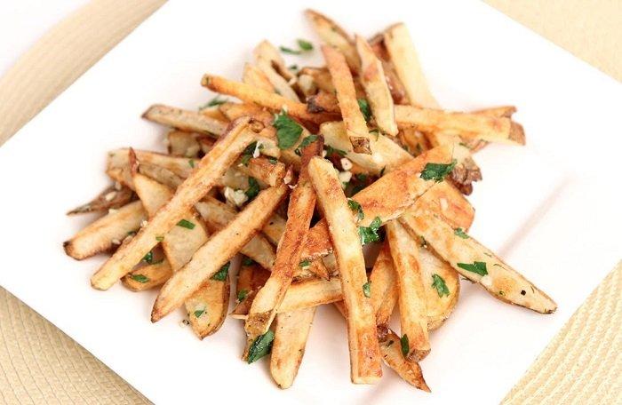 Így készíts egészséges sültkrumplit olaj nélkül