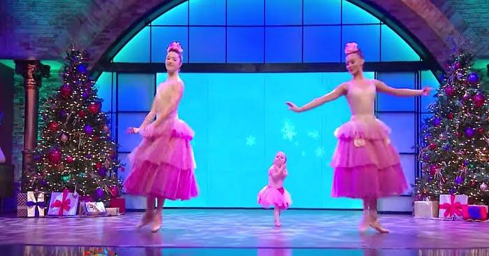 Két profi balerina lép a színpadra. A babérokat mégis a középen felbukkanó kislány aratja le
