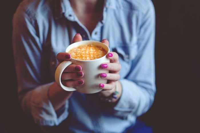 Ezért ne igyál soha reggel üres gyomorra kávét!