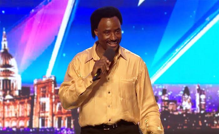 Olyan showt nyomott a 60 éves férfi a színpadon, hogy a közönség könyörgött a zsűrinek, nyomja meg a Golden Buzzer gombot