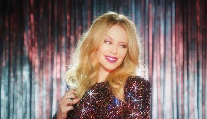 Így fest smink nélkül az 50 éves Kylie Minogue!