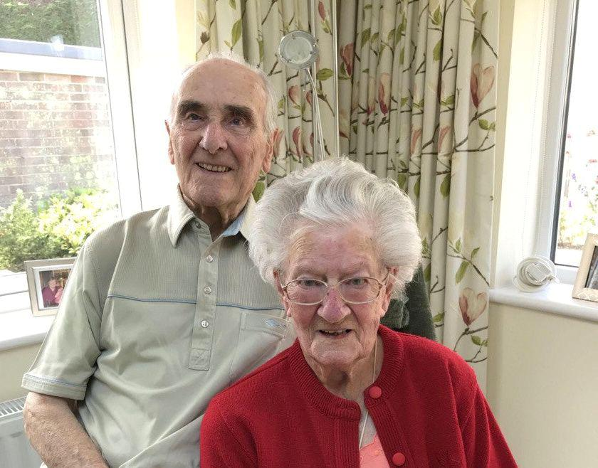 Már 70 éve házasok, de még egyetlen éjszakát sem töltöttek külön. Szerintük ebben rejlik a hosszú, boldog frigy titka!