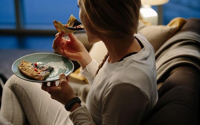Ezeket az élelmiszereket SOHA ne fogyaszd lefekvés előtt!