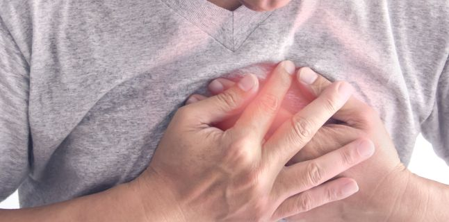 Szúrást érzel a mellkasodban? Ez lehet az oka a tüneteidnek