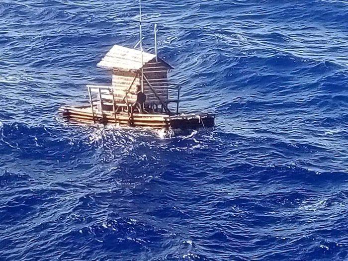 A fiú, aki 50 napig hánykolódott a nyílt tengeren, míg végül kimentették. Életben maradása a csodával határos!