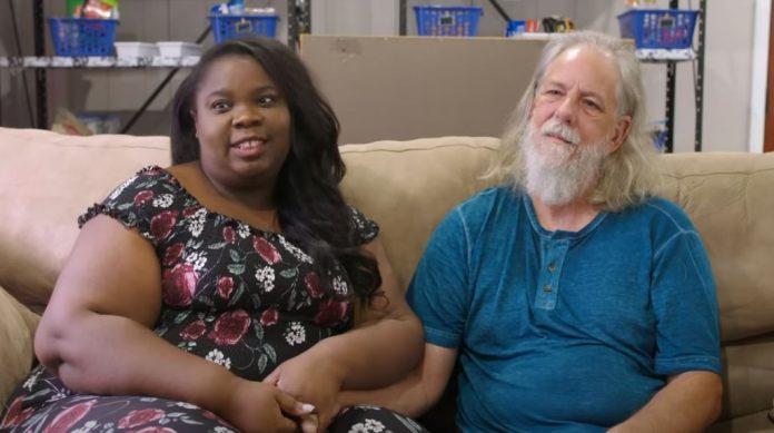 A 30 éves korkülönbség ellenére egymásra talált és összeházasodott a 28 éves nő és az 58 éves férfi