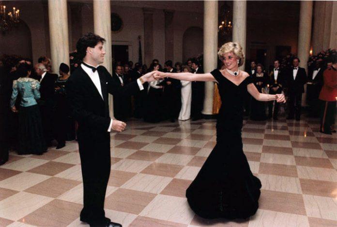 """""""Olyan volt, mint a mesékben"""" - idézi fel John Travolta a pillanatot, amikor felkérte Diana hercegnével táncolni"""