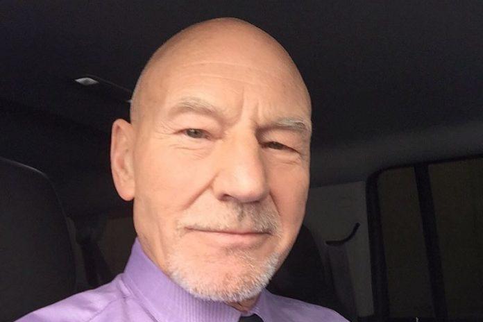 Patrick Stewartnak meg kellett védenie az édesanyját bántalmazó apjától: