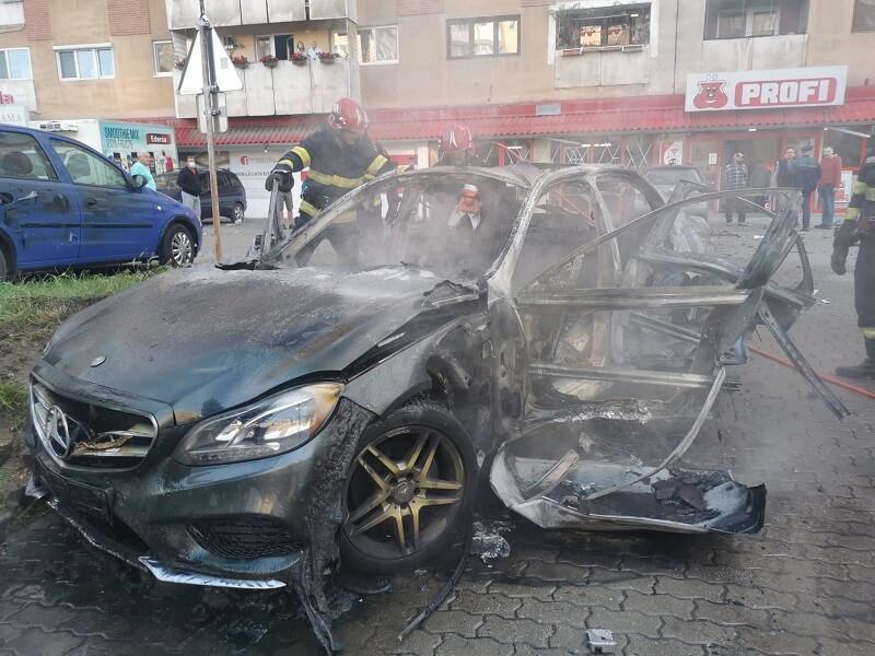 Felrobbantottak autójában egy aradi üzletembert, alvilági figurák állhatnak a háttérben