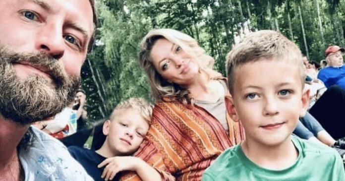 """A gyászoló édesapa szívszorító üzenete 8 éves kisfia halála után: """"Töltsetek több időt a gyerekeitekkel!"""""""