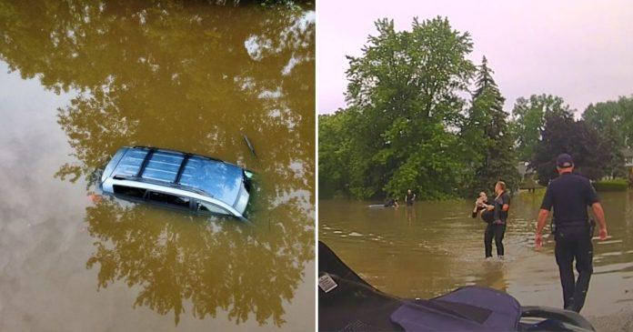 A hős rendőrök egy 82 éves nőt menekítettek ki a vízbe süllyedt autóból!